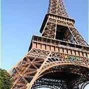 Омские школьники построили Эйфелеву башню из макарон
